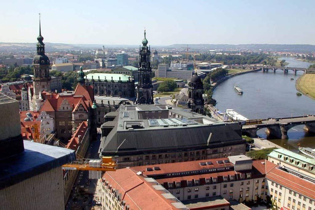Blick zu Schloss und Kathedrale