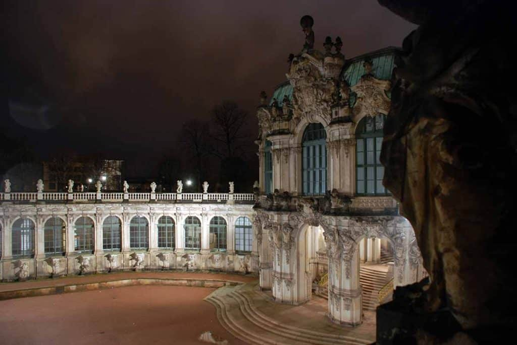 Dresdner Zwinger bei Nacht