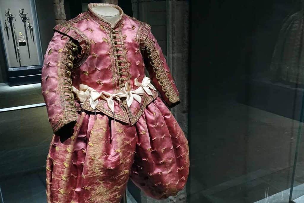Macht und Mode Kinderkleidung